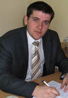 <p>Махінько <br>Микола <br>Миколайович</p>